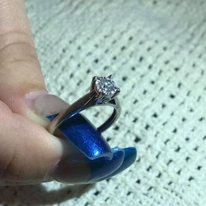 Jewelry - solitare white gold engagement ring 1ct